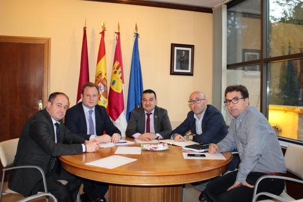El Gobierno regional y el Ayuntamiento de Albacete colaboran para celebrar una feria que aúne los productos agroalimentarios y la restauración