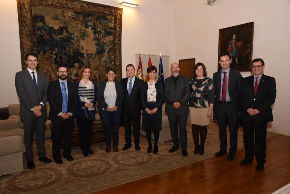 Firma los convenios para el desarrollo de Lanzaderas de Empleo en Puertollano y Talavera de la Reina (II)