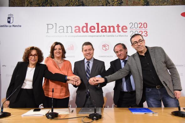 Firma del Plan Adelante de Acompañamiento Empresarial 2020-2023