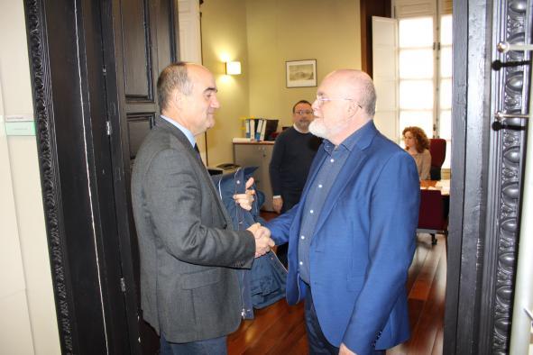 Reunión entre el delegado de la Junta, Pedro Antonio Ruiz Santos y el alcalde de Villarrobledo, Valentín Bueno