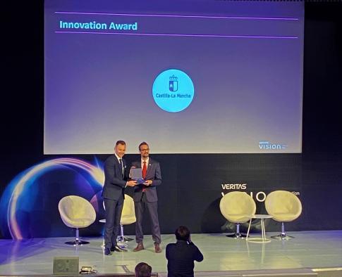 Castilla-La Mancha reconocida con el premio 'Administración Electrónica Destacada' por usar las nuevas tecnologías para mejorar los servicios y acercarlos a la ciudadanía