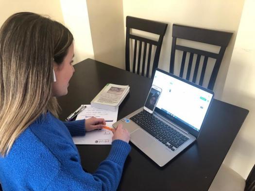El Gobierno de Castilla-La Mancha realiza el seguimiento telefónico de más de 3.000 personas usuarias del programa SEPAP- MejoraT