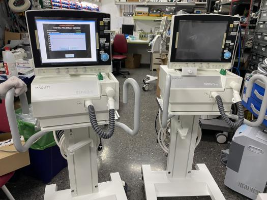 El Gobierno de Castilla-La Mancha distribuye diecisiete equipos de respiradores y de ventilación mecánica en centros hospitalarios de la región