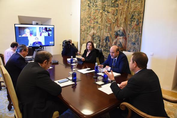 Videoconferencia con los representantes regionales de los sindicatos y la patronal (3 de abril)