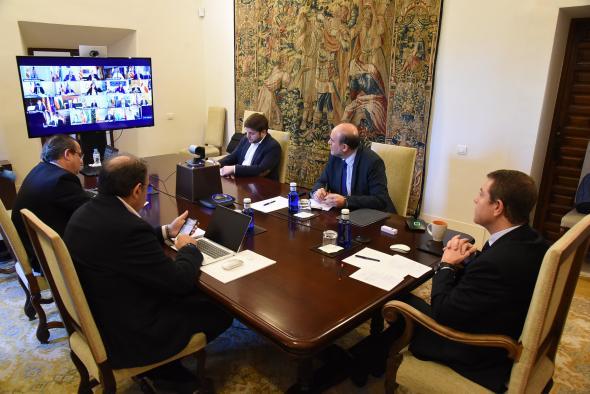 Videoconferencia de presidentes autonómicos convocada por el presidente del Gobierno de España