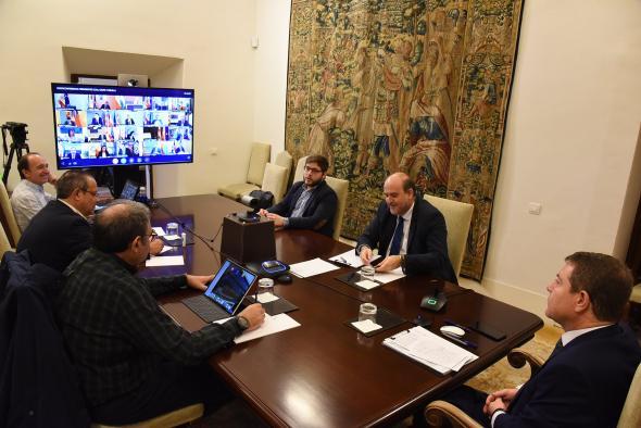 Videoconferencia de los presidentes autonómicos con el presidente del Gobierno de España
