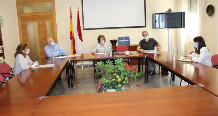 Reunión del delegado de la Junta y el coordinador de intervenciones en residencias de Albacete