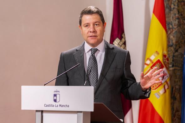 Firma el Plan de Medidas Extraordinarias para la recuperación económica de la región (Presidente)
