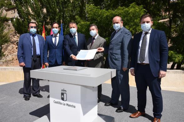Firma del protocolo del Plan de Infraestructuras de Cuenca y la presentación del estudio de los remontes de acceso al casco histórico (Presidente) (II)