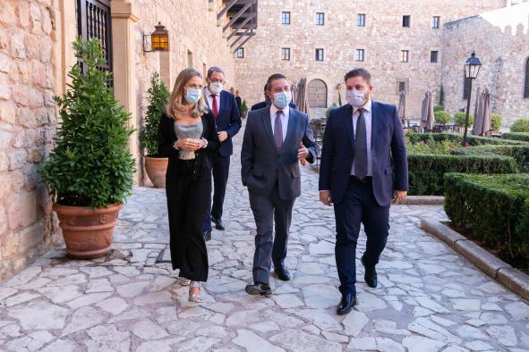 Firma de un protocolo de colaboración el Ayuntamiento de Sigüenza (III)