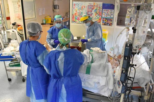 Castilla-La Mancha consigue estabilizar el número de hospitalizados por el COVID-19 en las dos últimas semanas