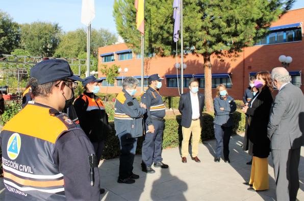 La consejera de Igualdad y portavoz del Gobierno regional, Blanca Fernández, inaugura el 'Curso básico en comunicaciones' dirigido al voluntariado de Protección Civil