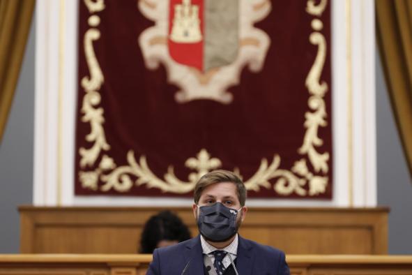 El consejero de Fomento, Nacho Hernando, ha intervenido en el Pleno de las Cortes