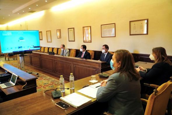 El Gobierno regional ha ampliado este curso en 20 las aulas y ha aumentado en 46 la plantilla de docentes de los centros educativos de Talavera de la Reina
