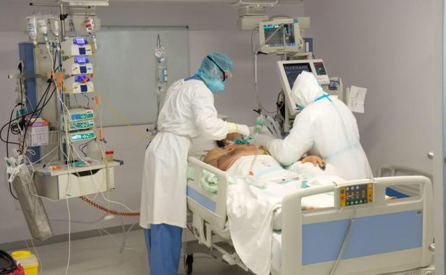 Continúa descendiendo el número de hospitalizados por COVID-19 en Castilla-La Mancha
