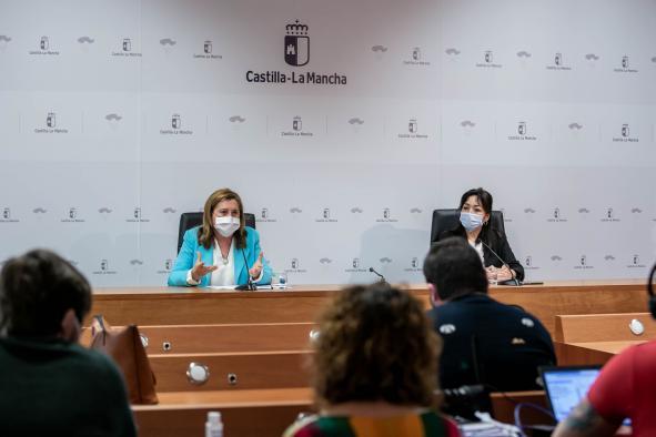 """La consejera de Educación informa sobre el programa """"Leemos CLM"""" (III)"""
