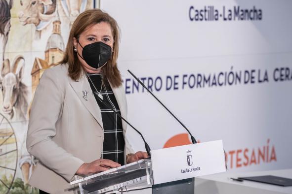 Firma de convenio con la alcaldesa de Talavera de la Reina para la Escuela Oficial de Idiomas (Educación)