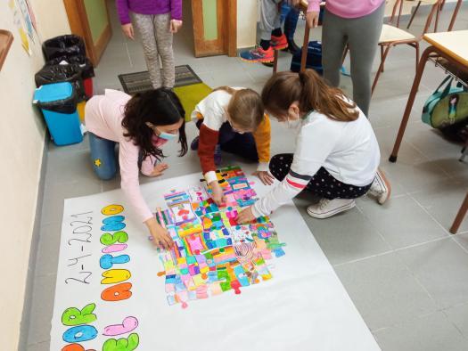 Un total de 47 centros educativos han participado en la iniciativa 'Piezas por el autismo', puesta en marcha para conmemorar el 'Día Mundial del Autismo'
