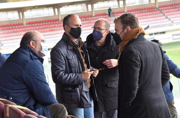 Martínez Guijarro avanza la construcción de un complejo deportivo en la ciudad de Cuenca gracias a la colaboración público-privada