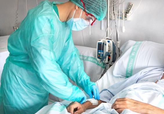 Dos hospitales de Castilla-La Mancha ya no tienen ingresados pacientes por COVID