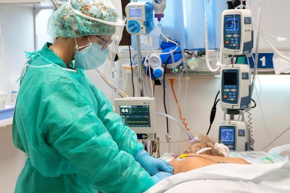 Continúa el descenso progresivo de los casos y de los hospitalizados por COVID-19 en Castilla-La Mancha