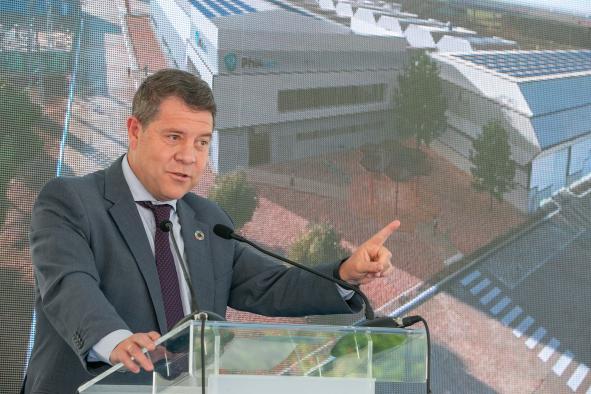 Asiste a la presentación de la planta piloto de producción de celdas para baterías Phi4tech, en Noblejas (Toledo) II