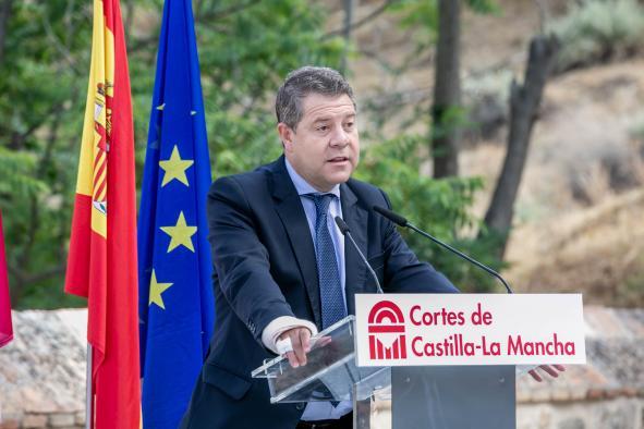 Inauguración del monumento dedicado a las víctimas del COVID-19 y al personal esencial