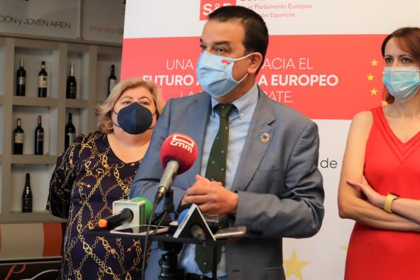El consejero de Agricultura, Agua y Desarrollo Rural, Francisco Martínez Arroyo, participa en la jornada 'Una mirada hacia el futuro agrícola europeo. La PAC a debate'.