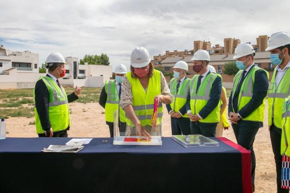 Primera piedra del CEIP número 34 de Albacete