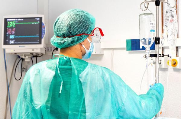 Descienden los hospitalizados en UCI por COVID-19 en Castilla-La Mancha