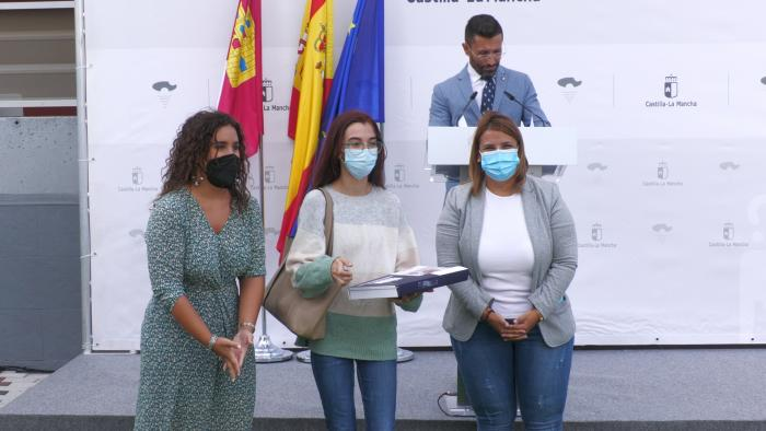 El Gobierno regional entrega 27 viviendas de protección pública en el barrio de 'Los Turieles' de Talavera de la Reina