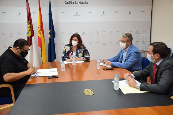 El Gobierno de Castilla-La Mancha traslada su apoyo a las peluquerías y centros de estética para la recuperación económica del sector