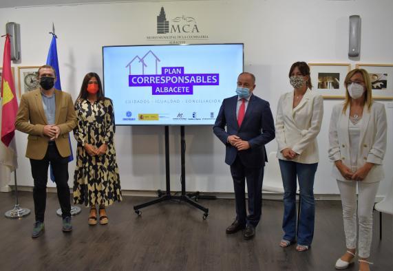 La consejera de Igualdad y portavoz del Gobierno regional presenta el Plan Corresponsables del Ayuntamiento de Albacete