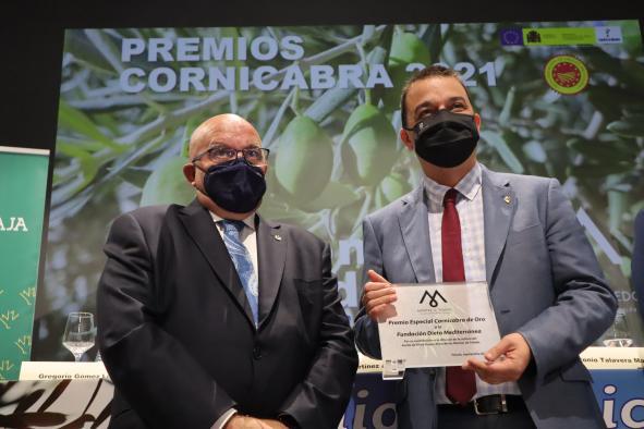 El consejero de Agricultura, Agua y Desarrollo Rural asiste a la XIX edición de los Premios Cornicabra 2021 de la Fundación Consejo Regulador de la Denominación de Origen de Aceite Montes de Toledo