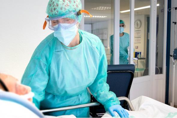 Los hospitalizados por COVID-19 en Castilla-La Mancha descienden a menos de 100 entre cama y UCIS