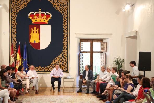 Encuentro informativo del Presidente Page con medios en el Palacio de Fuensalida
