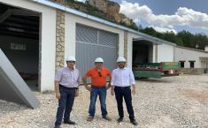 El Gobierno regional conoce el nuevo edificio del retén de incendios de Uña