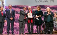 Entrega, en el Teatro Buero Vallejo de Guadalajara, los reconocimientos a la 'Iniciativa Social 2019'