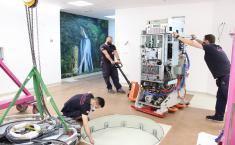El Complejo Hospitalario Universitario de Albacete recibe el primer acelerador lineal para la renovación tecnológica del Servicio de Oncología Radioterápica